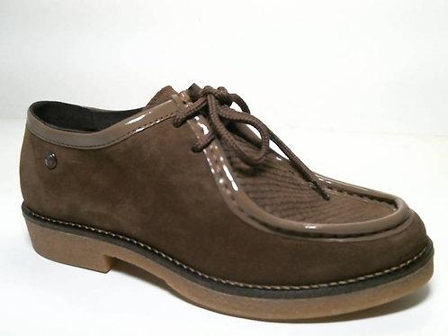 Zapato de vestir de serraje color beige (29549)