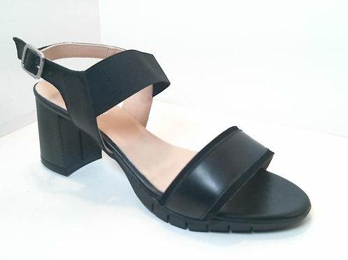 Sandalia de piel color negro (32558)