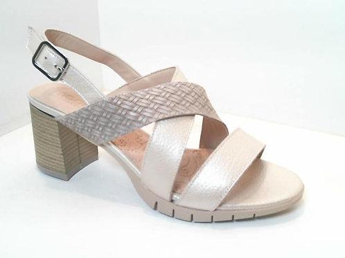 Sandalia de piel color hielo (32556)