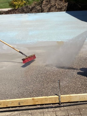 Spraying the Aggregate
