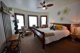Image of guest room at Distinctive Inns of Kingsville
