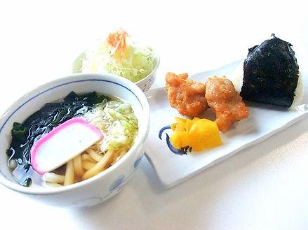 rice%20ball-udon_edited.jpg