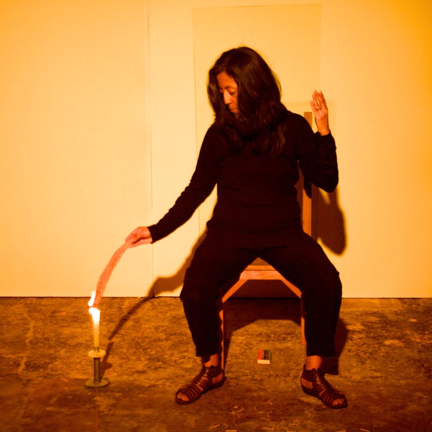 Autorretrato_de_humo_Mérida-_Smoke_Selfportrait_Merida._La_Sede,_La_Rendija_Teatro._Mérida,_Mex._Fotos_Alejandro_Atocha_Crespo_(5)