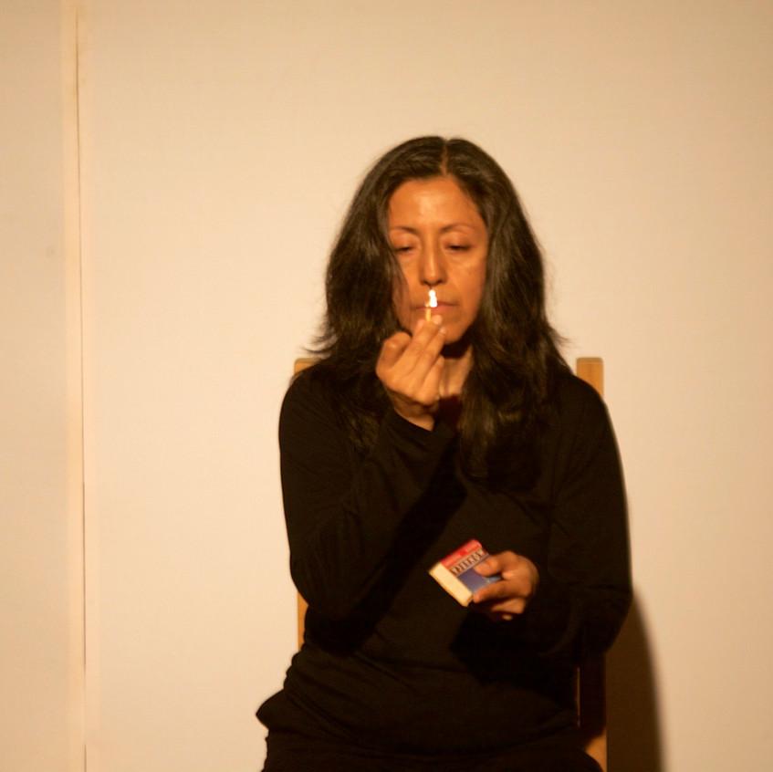Autorretrato_de_humo_Mérida-_Smoke_Selfportrait_Merida._La_Sede,_La_Rendija_Teatro._Mérida,_Mex._Fotos_Alejandro_Atocha_Crespo_(1)