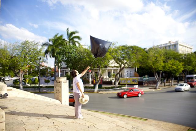 Parábola III: Penal y bandera.
