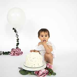 Smash the cake-Alice