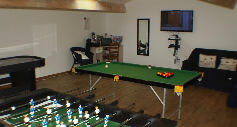 lake_cottages_games_room.jpg