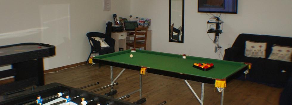 lake_cottages_games_room (1).jpg