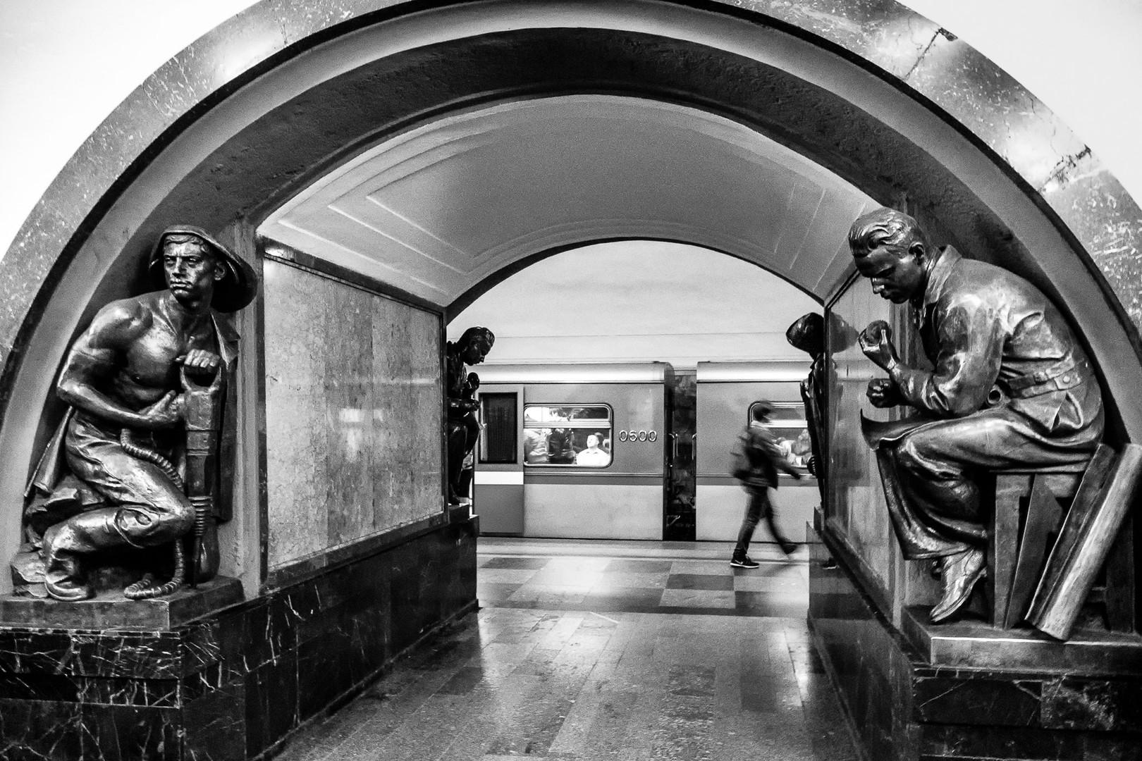 Gardiens du métro / Underground guards