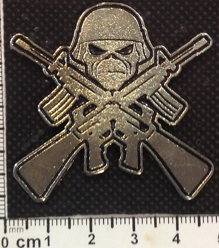 IRON MAIDEN - EDDIE SHOTGUNS  Metal Pin