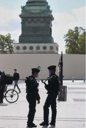 PARIS296
