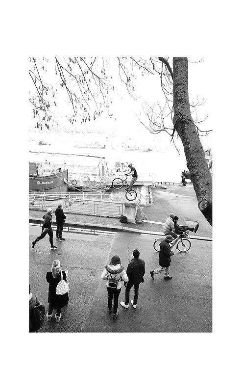 PARIS418