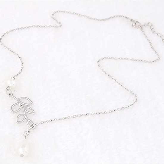 Imitation Pearl Leaves Pendant Necklace