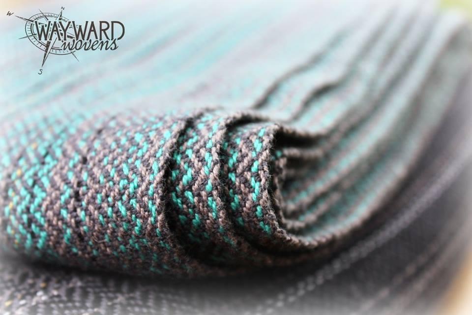 Woven wrap, selvedges