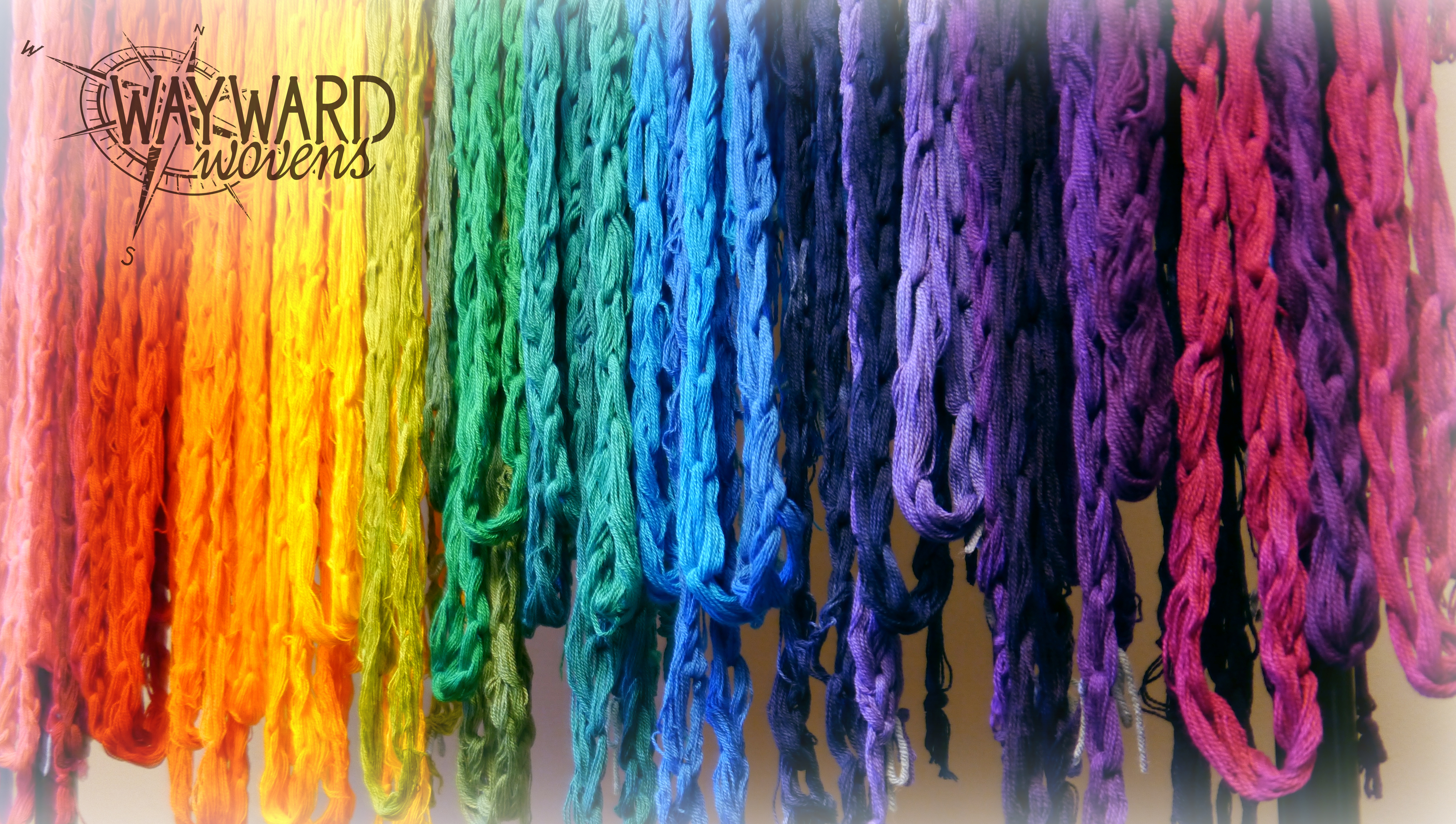Hanging dyed warp chains