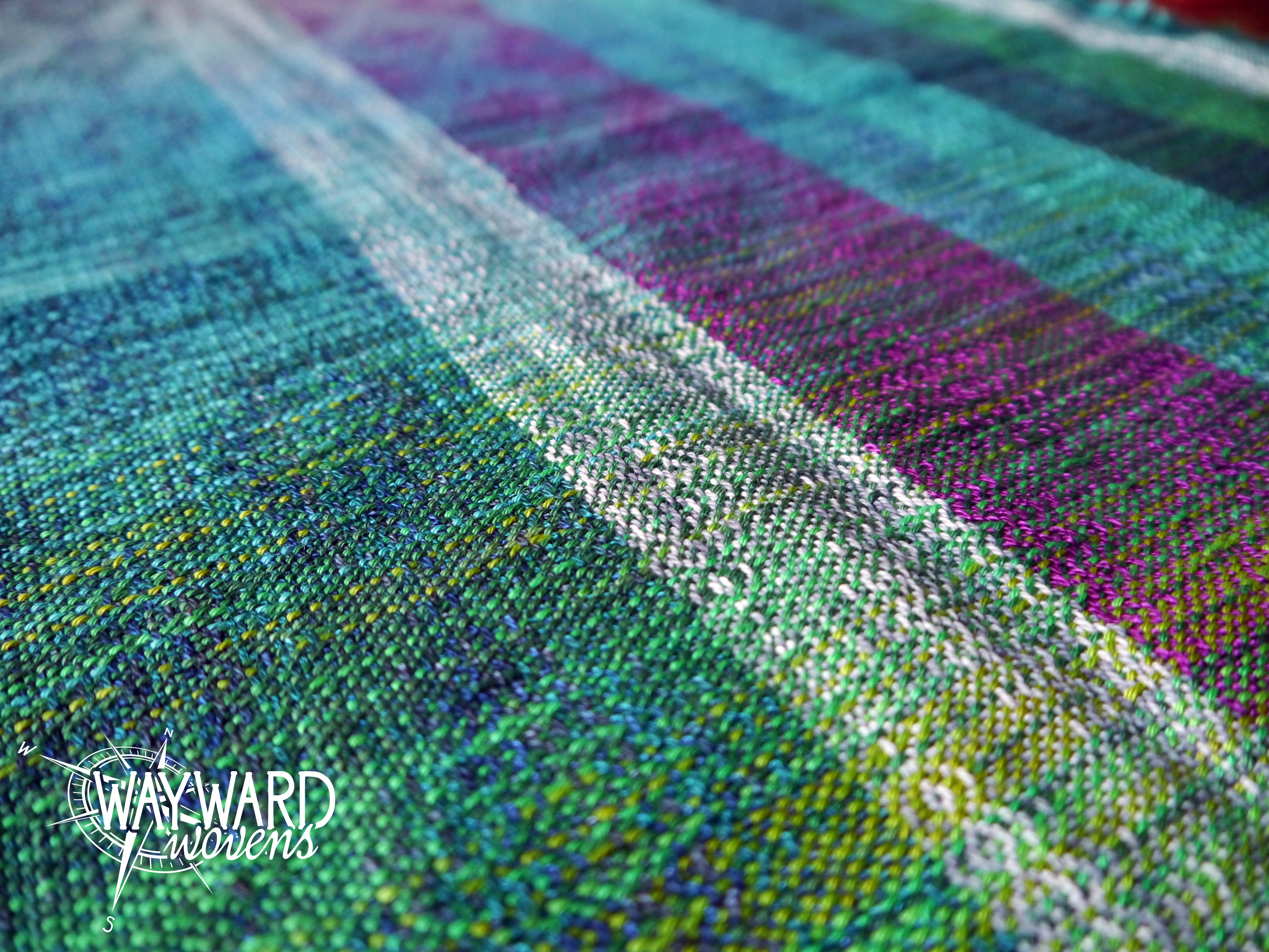 Woven cloth, weft test