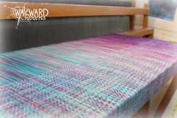 Woven cloth, marine silk weft