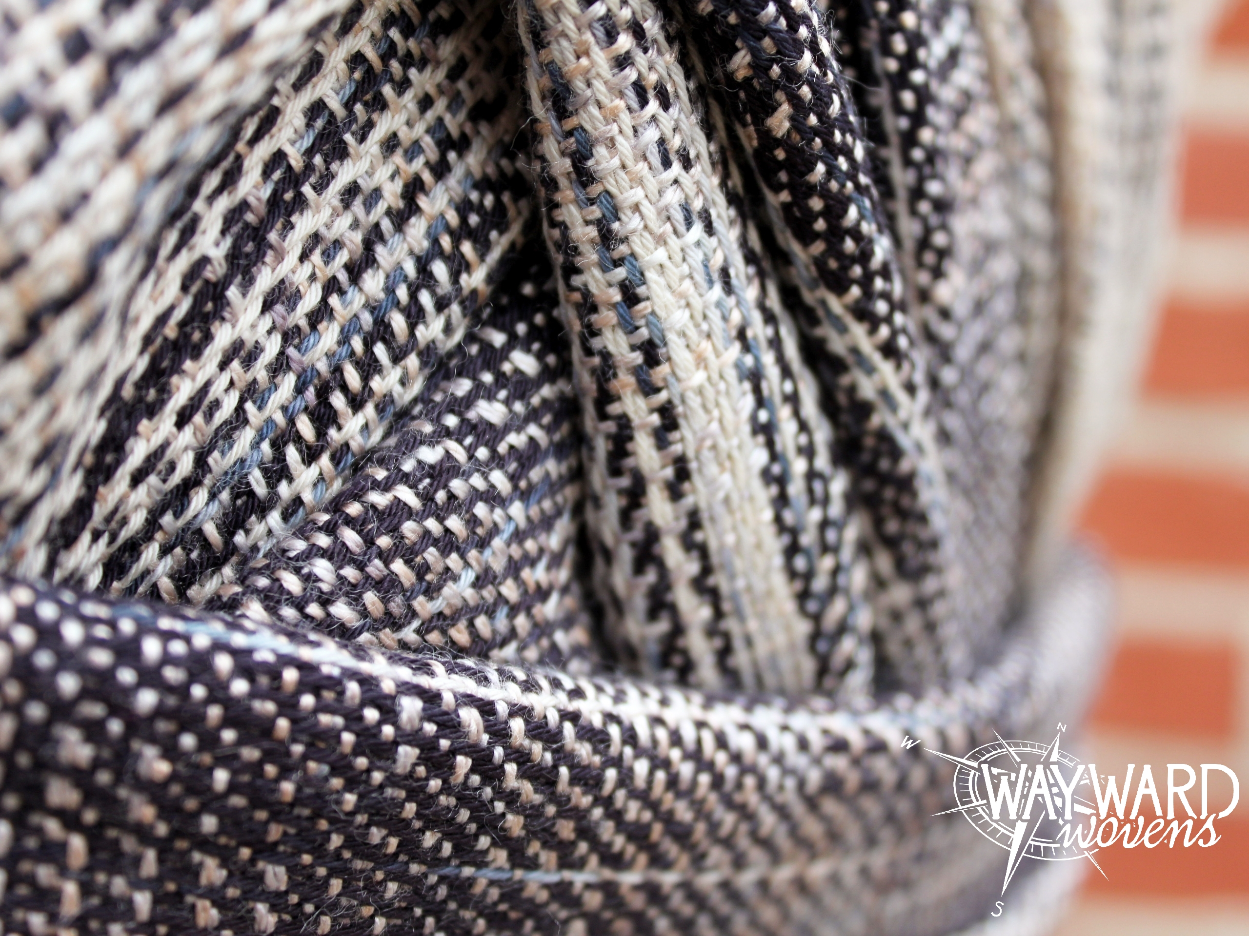 Gold and silver marine silk weft