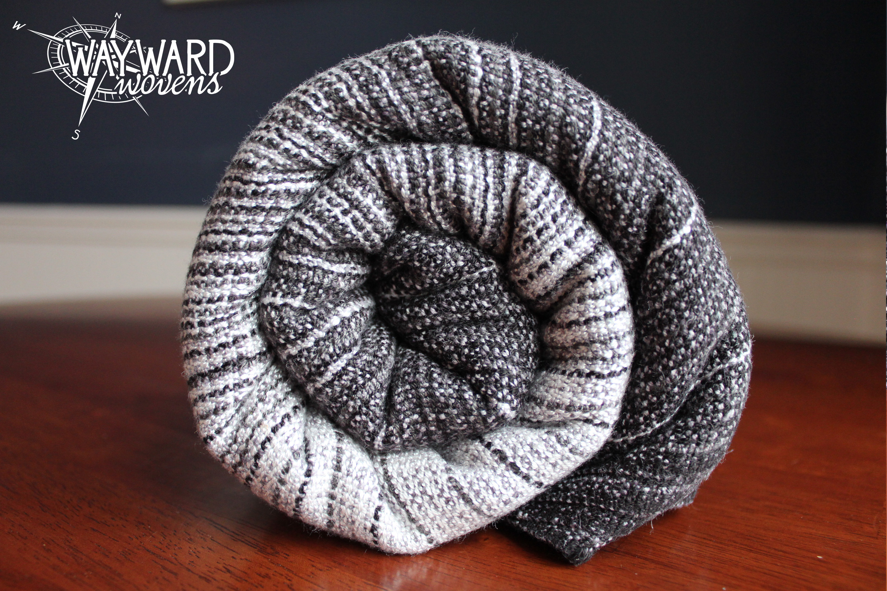 Grey weft, rolled wrap
