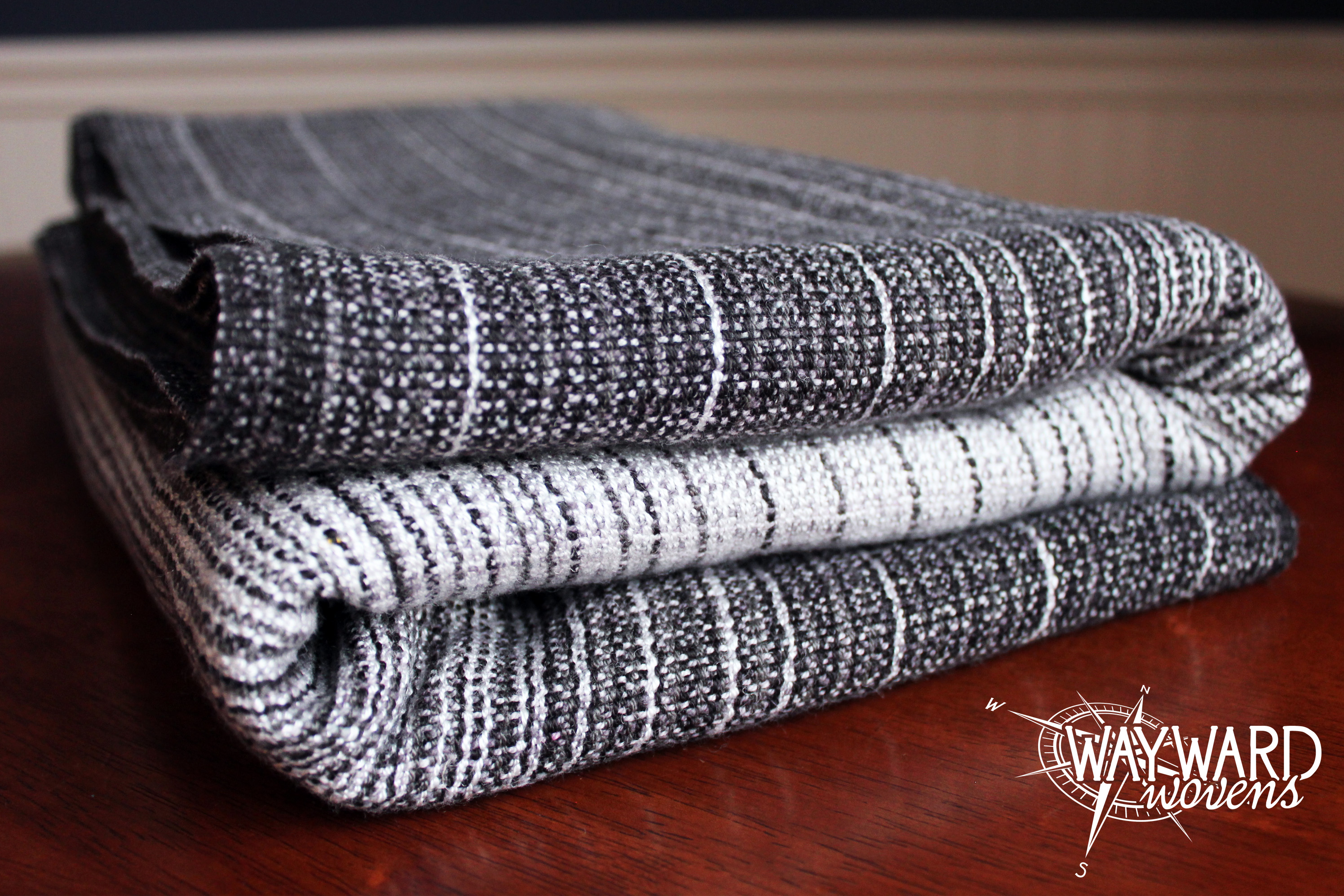 Grey weft, folded wrap
