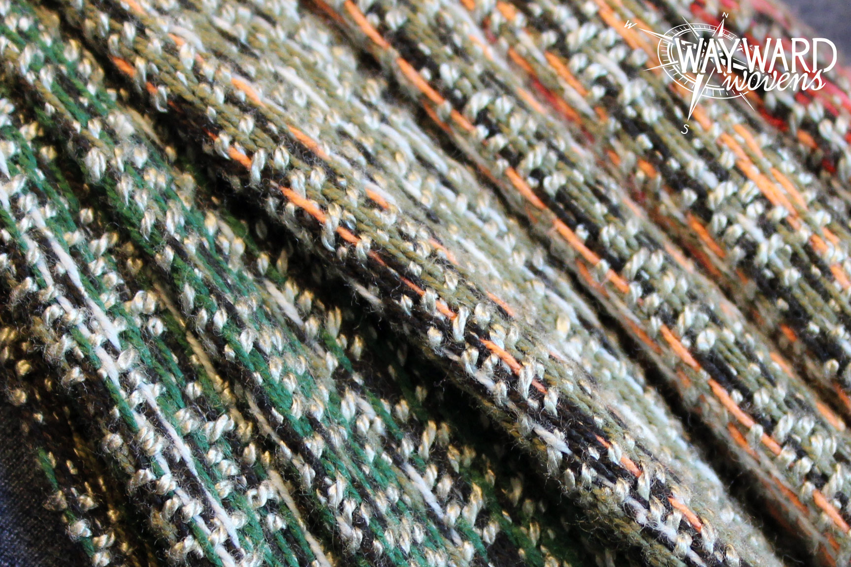 Woven wrap pleats