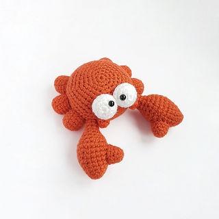 crochet amigurumi crab cancer sea creature pattern