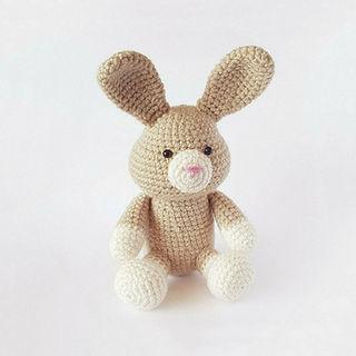 crochet amigurumi bunny rabbit hare pattern toy