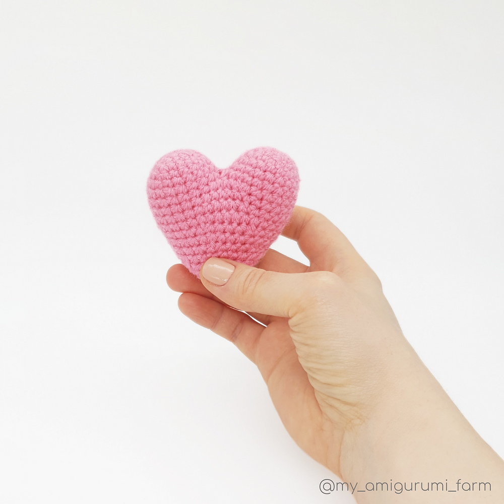 free crochet amigurumi heart pattern valentine day pink red my amigurumi farm blog