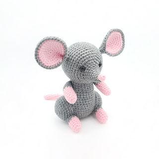 crochet amigurumi mouse home pet pattern rodent pest