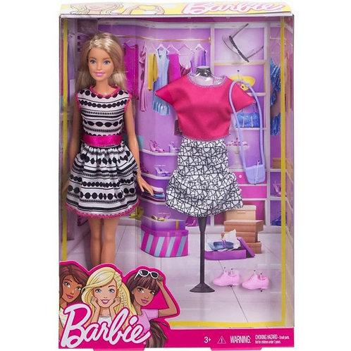 בובת ברבי -  בובה עם בגד