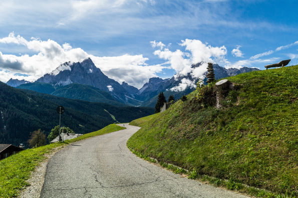 Walking_through_Südtirol.jpg