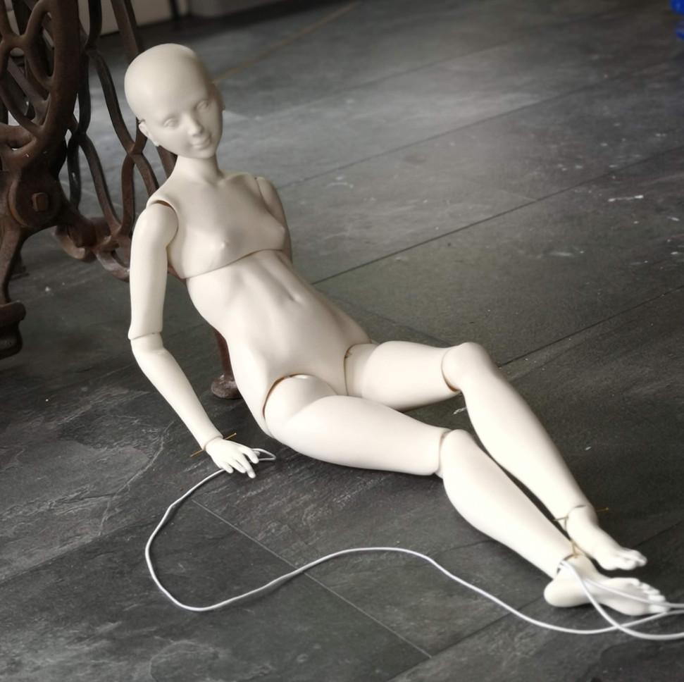 сборка шарнирной фарфоровой куклы