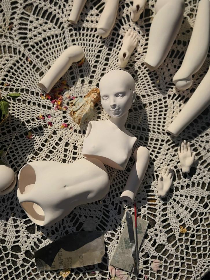 шлифовка отливок кукла из фарфора