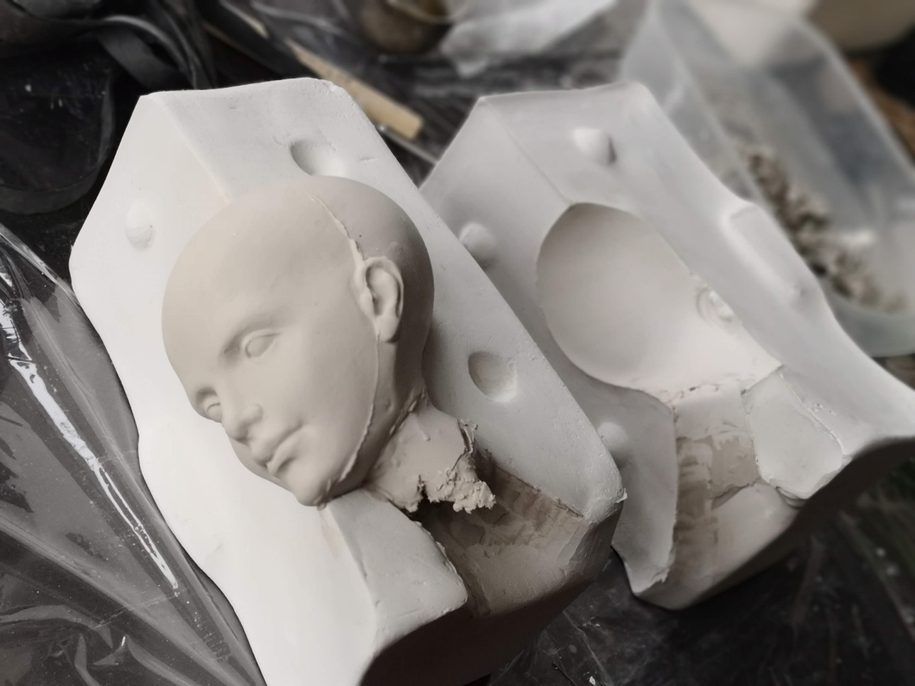 отливка фарфоровой куклы в гипсовые формы