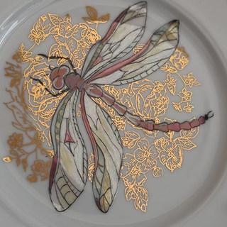 Тарелка с росписью золотом и люстрами