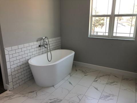Velett Residence | Master Soaker Tub