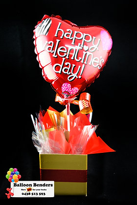 A HAPPY VALENTINES DAY HEARTS LOVE BOX BOUQUET