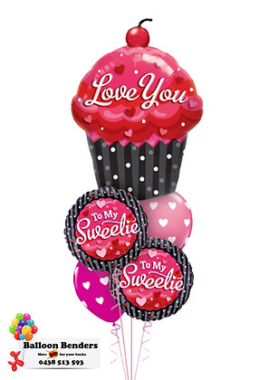 A LOVE YOU CUPCAKE BOUQUET
