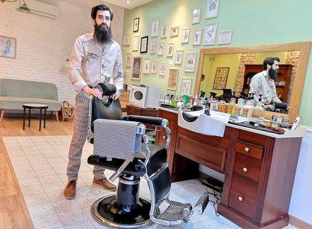 [ Portrait Commerçant Adhérent ] Un barbier au poil depuis bientôt un an ! ✂️