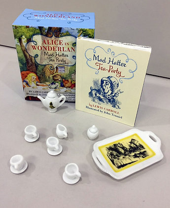 Alice in Wonderland Mad Hatter Tea Party Set