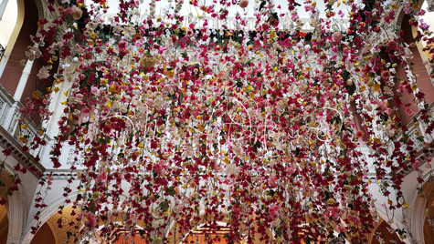 Pluie Fleurs Ephrussi de Rotschild.jpg