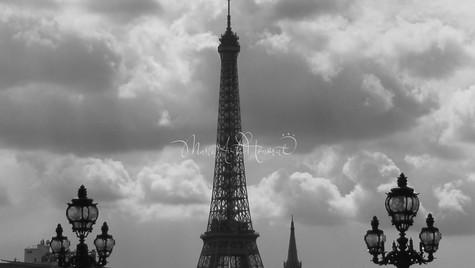 Eiffel  by the brige B&W_MAH