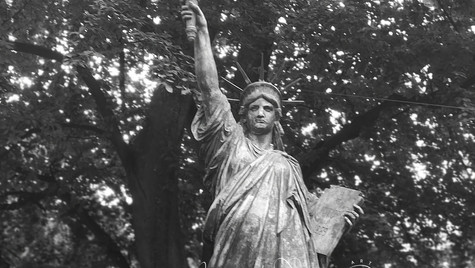 Statue of Liberty in Lux gardens_MAH