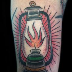 ランプ トラディショナル タトゥー