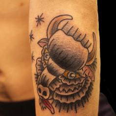 牛 トラディショナル タトゥー