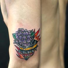サザエ 花 トラディショナル タトゥー