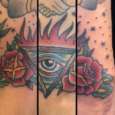 薔薇 目 トラディショナル タトゥー