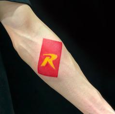 ロゴ タトゥー