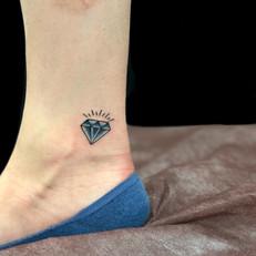 ダイヤ トラディショナル タトゥー