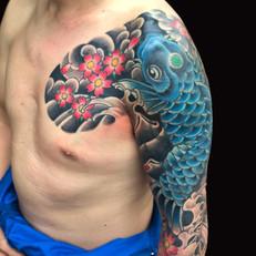 鯉 桜 胸腕 刺青